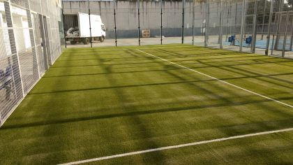 pista de padel cesped artificial